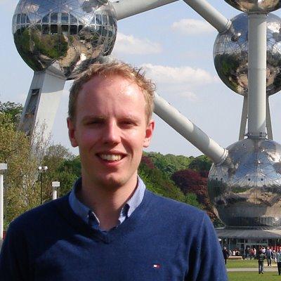 Olrik Bouma by Atomium Brussel