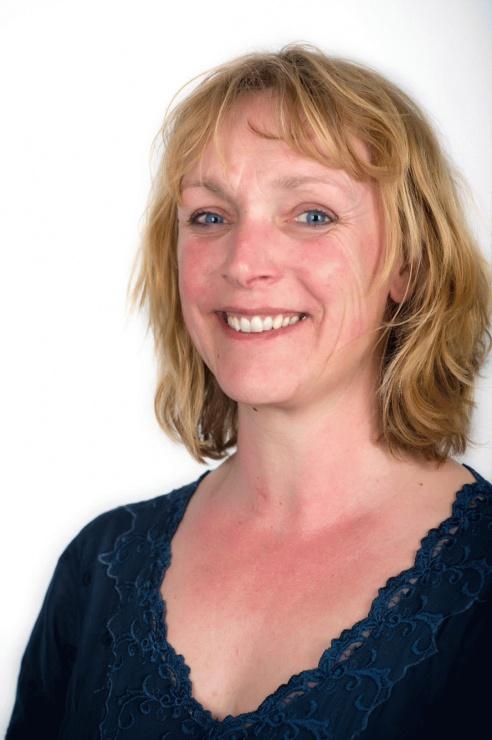 15 Linda van der Deen